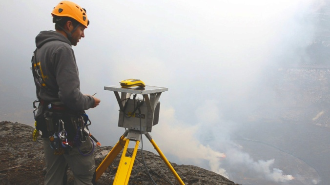 B. Smets during the installation of the stereographic time-lapse cameras in the Nyiragongo crater